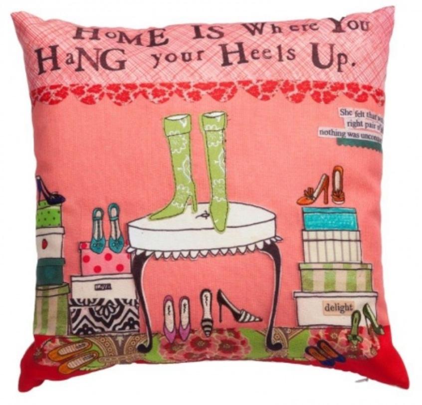 ПодушкаCalzatureКвадратные подушки<br>Яркая подушка с хлопковым чехлом, красочным принтом Calzature, экологичная и удобная, подчеркнет особенность, уют и очарование вашего дома.<br>Материал: Наволочка 100% хлопок, наполнитель 100% полиэстер<br><br>Material: Ротанг<br>Length см: 46<br>Width см: 46<br>Depth см: None<br>Height см: 6<br>Diameter см: None