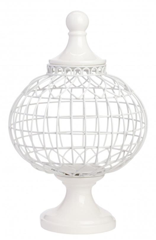 Декоративная ваза Luxury IВазы<br>Роскошная и уникальная в своем роде декоративная ваза Luxury I изготовлена из тончайших прутьев из нержавеющей стали и декорирована простой, но изящной крышкой. Благодаря нейтральному белому цвету, аксессуар превосходно впишется в современный и классический интерьер, наполняя его оригинальностью, лоском и шиком. Вы можете приобрести вазу отдельно или в комплекте с Luxury II из этой же серии.<br><br>Материал: Нержавейка, окрашена в белый цвет<br><br>Material: Металл<br>Length см: 19,2<br>Width см: 19<br>Depth см: None<br>Height см: 51<br>Diameter см: None