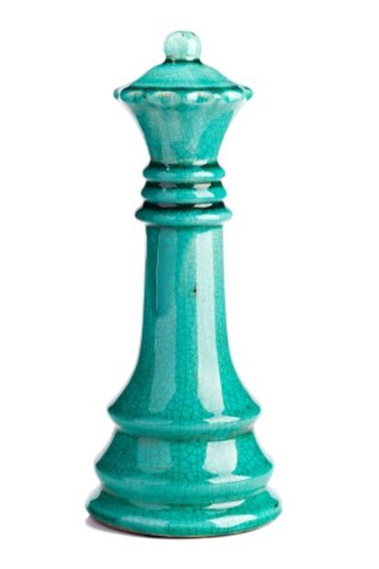 Предмет декора Marine Chess IIСтатуэтки<br>Древняя легенда приписывает изобретение шахмат брамину, которому раджа посулил отдать за них все, что угодно. Брамин попросил всего лишь пшеничные зерна, но столько, сколько окажется на шахматной доске, когда на ее первую клетку положат одно зерно, на вторую — два, на третью — четыре и т. д. Такого количества зерен не оказалось на всей планете!<br>Керамический ферзь из бирюзовой керамики воплощает собой красоту и мудрость древней игры. Он станет замечательным подарком для ценителя шахмат и оригинальным украшением вашего интерьера.<br><br>Material: Керамика<br>Length см: None<br>Width см: 13.5<br>Depth см: None<br>Height см: 33,5<br>Diameter см: None