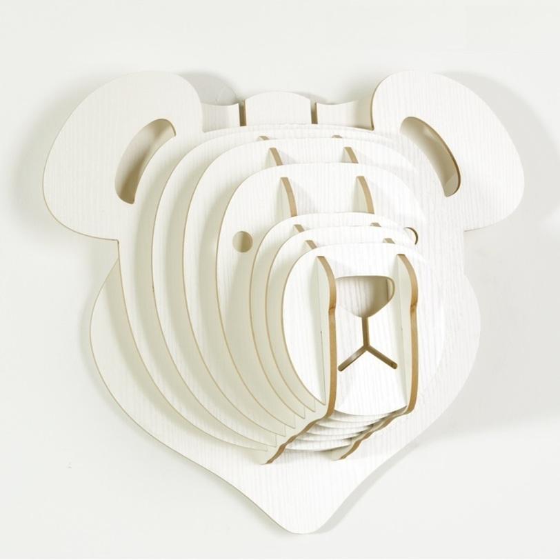 Настенный декор МедведьФигуры<br>Декоративные головы животных на стену выполнены в скандинавском стиле, сочетают в себе естественную простоту и изысканность. Экологически безопасные, сделанные вручную, такие элементы декора смотрятся всегда необычно, и в тоже время очень стильно! Очень много разных цветов и вариантов покраски дают разгуляться воображению.<br><br>Material: МДФ<br>Length см: None<br>Width см: 39,9<br>Depth см: 22,5<br>Height см: 35,6<br>Diameter см: None