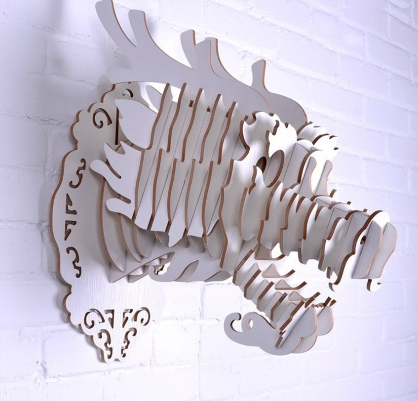 Настенный декор ДраконФигуры<br>Декоративные головы животных на стену выполнены в скандинавском стиле, сочетают в себе естественную простоту и изысканность. Экологически безопасные, сделанные вручную, такие элементы декора смотрятся всегда необычно, и в тоже время очень стильно! Очень много разных цветов и вариантов покраски дают разгуляться воображению.<br><br>Material: МДФ<br>Length см: None<br>Width см: 28<br>Depth см: 40,1<br>Height см: 45,9<br>Diameter см: None