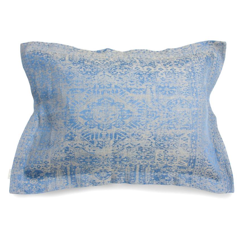 Подушка декоративная с отстрочкой