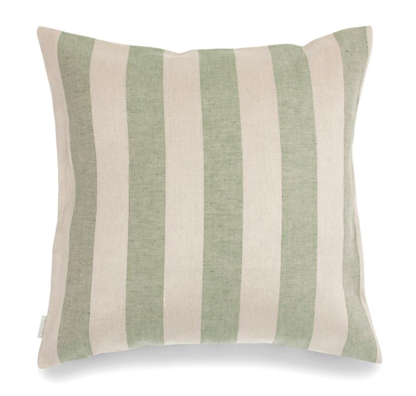 Подушка декоративная ШтрайфКвадратные подушки<br>&amp;lt;div&amp;gt;Декоративная подушка «Штрайф» – стильная деталь любого интерьера спальни или гостиной.&amp;amp;nbsp;&amp;lt;/div&amp;gt;&amp;lt;div&amp;gt;&amp;lt;br&amp;gt;&amp;lt;/div&amp;gt;&amp;lt;div&amp;gt;Модель изготовлена из натурального текстиля – 50% льна и 50% хлопка. Ее декор выполнен в виде чередующихся широких полос в нежных пастельных тонах – бежевом и зеленом. Форма подушки традиционная, застегивается она с помощью пуговиц.&amp;amp;nbsp;&amp;lt;/div&amp;gt;&amp;lt;div&amp;gt;&amp;lt;br&amp;gt;&amp;lt;/div&amp;gt;&amp;lt;div&amp;gt;Такой аксессуар в классическом стиле сможет стать финальным штрихом в создании комфортной и эффектной обстановки.&amp;lt;/div&amp;gt;<br><br>Material: Хлопок<br>Length см: 50<br>Width см: 50<br>Depth см: None<br>Height см: None<br>Diameter см: None