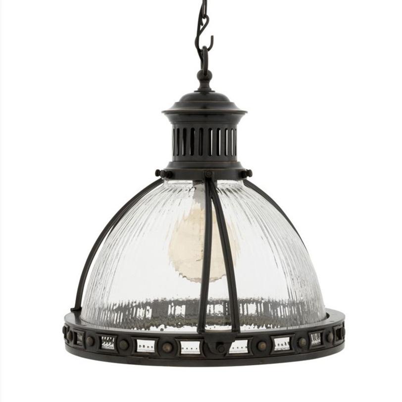 Подвесной светильник ConellyУличные подвесные и потолочные светильники<br>Подвесной светильник на кованной металлической арматуре бронзового цвета. Плафон выполнен из фактурного прозрачного стекла. Высота светильника регулируется за счет звеньев цепи.<br>Количество лампочек: 1<br>Мощность: 1x 40 Вт<br>Цоколь: E27<br><br>Material: Металл<br>Высота см: 50