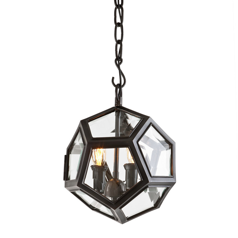 Подвесной светильник Yorkshire SУличные подвесные и потолочные светильники<br>Подвесной светильник с оригинальным дизайном плафона в виде стеклянного шара в металлических рамках. Внутри шара располагаются лампы. Цвет арматуры - темно-бронзовый. Крепление осуществляется на крюк. Высоту можно регулировать за счет звеньев цепи.<br>Количество лампочек: 2<br>Мощность: 2x 40 Вт<br>Цоколь: E14<br><br>Material: Металл<br>Length см: None<br>Width см: None<br>Depth см: None<br>Height см: 32<br>Diameter см: 30