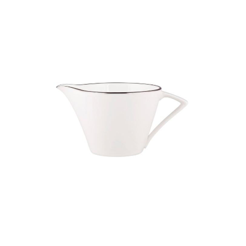 МолочникКофейники и молочники<br>MIKASA по праву считается одним из мировых лидеров по производству столовой посуды из фарфора и керамики. На протяжении более полувека категории качества и дизайна являются неотъемлемой частью бренда MIKASA. Сегодня MIKASA сотрудничает со многими известными дизайнерами, работающими для лучших фабрик мира, и использует самые передовые технологии в производстве посуды. Все продукты бренда MIKASA безупречны с точки зрения дизайна и исполнения.<br>Объем: 200 мл.<br><br>Material: Фарфор<br>Length см: None<br>Width см: None<br>Depth см: None<br>Height см: None<br>Diameter см: None