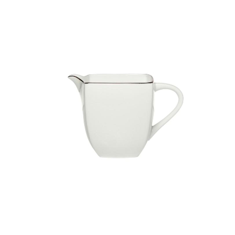 МолочникКофейники и молочники<br>MIKASA по праву считается одним из мировых лидеров по производству столовой посуды из фарфора и керамики. На протяжении более полувека категории качества и дизайна являются неотъемлемой частью бренда MIKASA. Сегодня MIKASA сотрудничает со многими известными дизайнерами, работающими для лучших фабрик мира, и использует самые передовые технологии в производстве посуды.<br>Объем: 200 мл.<br><br>Material: Фарфор<br>Length см: None<br>Width см: None<br>Depth см: None<br>Height см: None<br>Diameter см: None