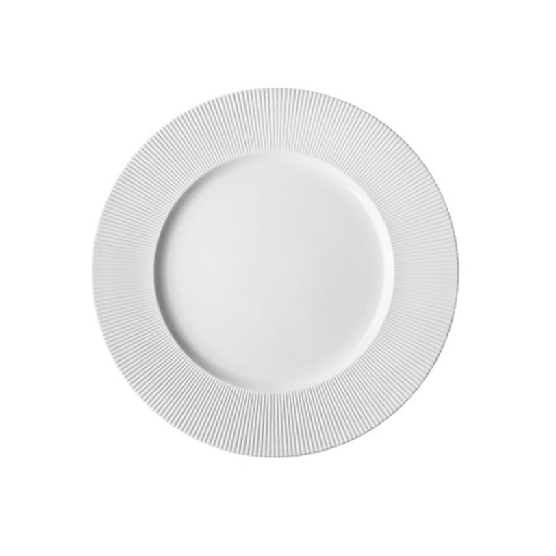 ТарелкаТарелки<br>Фарфоровая посуда бренда Chef&amp;amp;Sommelier (Франция) - новинка от компании ARC Int. на российском рынке. Она предназначена для заведений высокой ценовой категории, ресторанов Fine Dining, отелей премиум - класса. Посуда изготавливается по уникальной технологии из фарфора Maxima. Это запатентованный материал, отличающийся повышенной механической прочностью. имеющий нежный молочный оттенок. В концепцию дизайна заложена мировая тенденция на смешение стилей, форм и материалов.<br><br>Material: Фарфор<br>Length см: None<br>Width см: None<br>Depth см: None<br>Height см: None<br>Diameter см: 32