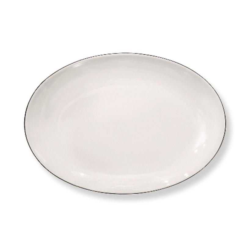Блюдо овальноеДекоративные блюда<br>MIKASA по праву считается одним из мировых лидеров по производству столовой посуды из фарфора и керамики. На протяжении более полувека категории качества и дизайна являются неотъемлемой частью бренда MIKASA. Сегодня MIKASA сотрудничает со многими известными дизайнерами, работающими для лучших фабрик мира, и использует самые передовые технологии в производстве посуды. Все продукты бренда MIKASA безупречны с точки зрения дизайна и исполнения.<br><br>Material: Фарфор<br>Length см: 40<br>Width см: None<br>Depth см: None<br>Height см: None<br>Diameter см: None