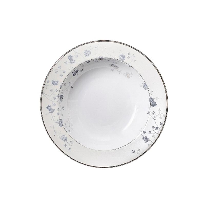 Тарелка для салатаТарелки<br>MIKASA по праву считается одним из мировых лидеров по производству столовой посуды из фарфора и керамики. На протяжении более полувека категории качества и дизайна являются неотъемлемой частью бренда MIKASA. Сегодня MIKASA сотрудничает со многими известными дизайнерами, работающими для лучших фабрик мира, и использует самые передовые технологии в производстве посуды.<br><br>Material: Фарфор<br>Length см: None<br>Width см: None<br>Depth см: None<br>Height см: None<br>Diameter см: 26