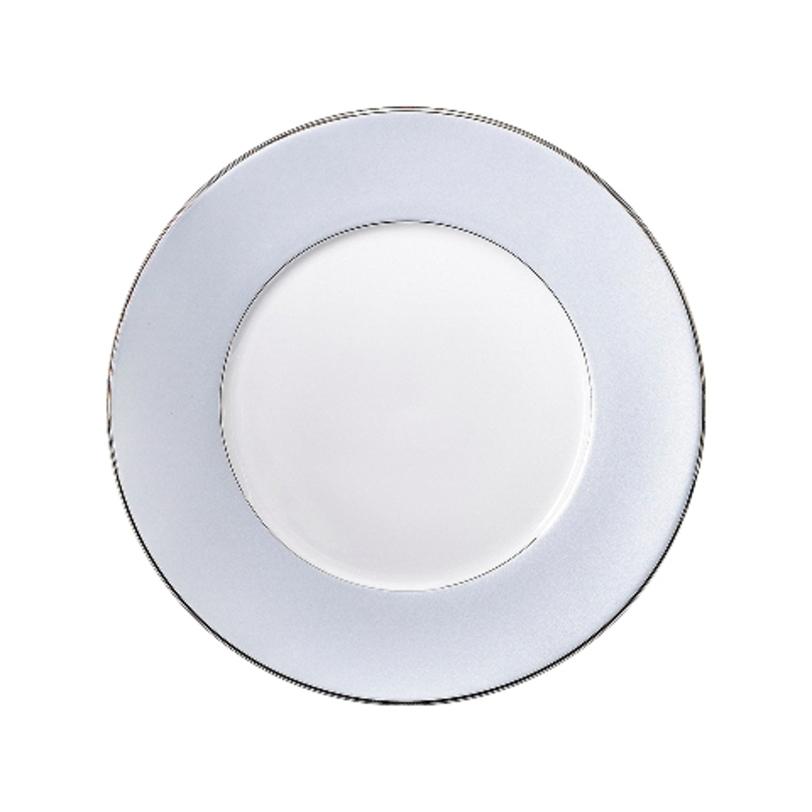 Блюдо круглоеДекоративные блюда<br>MIKASA по праву считается одним из мировых лидеров по производству столовой посуды из фарфора и керамики. На протяжении более полувека категории качества и дизайна являются неотъемлемой частью бренда MIKASA. Сегодня MIKASA сотрудничает со многими известными дизайнерами, работающими для лучших фабрик мира, и использует самые передовые технологии в производстве посуды.<br><br>Material: Фарфор<br>Length см: None<br>Width см: None<br>Depth см: None<br>Height см: None<br>Diameter см: 31