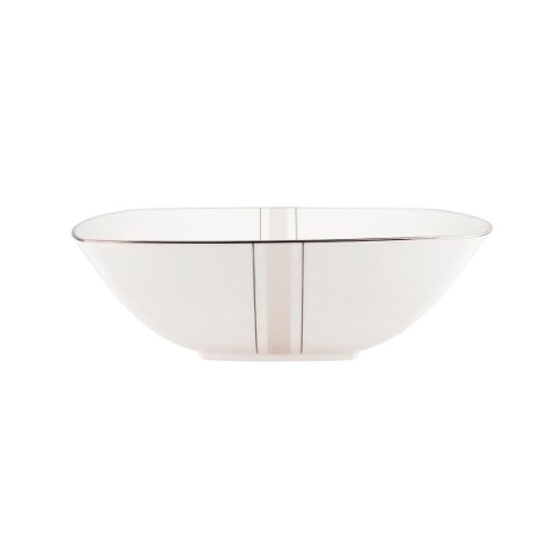 ЧашаМиски и чаши<br>MIKASA по праву считается одним из мировых лидеров по производству столовой посуды из фарфора и керамики. На протяжении более полувека категории качества и дизайна являются неотъемлемой частью бренда MIKASA. Сегодня MIKASA сотрудничает со многими известными дизайнерами, работающими для лучших фабрик мира, и использует самые передовые технологии в производстве посуды.<br><br>Material: Фарфор<br>Length см: 24<br>Width см: 24<br>Depth см: None<br>Height см: None<br>Diameter см: None