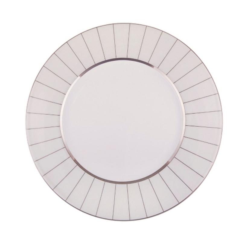 Тарелка обеденнаяТарелки<br>MIKASA по праву считается одним из мировых лидеров по производству столовой посуды из фарфора и керамики. На протяжении более полувека категории качества и дизайна являются неотъемлемой частью бренда MIKASA. Сегодня MIKASA сотрудничает со многими известными дизайнерами, работающими для лучших фабрик мира, и использует самые передовые технологии в производстве посуды.<br><br>Material: Фарфор<br>Length см: None<br>Width см: None<br>Depth см: None<br>Height см: None<br>Diameter см: 27