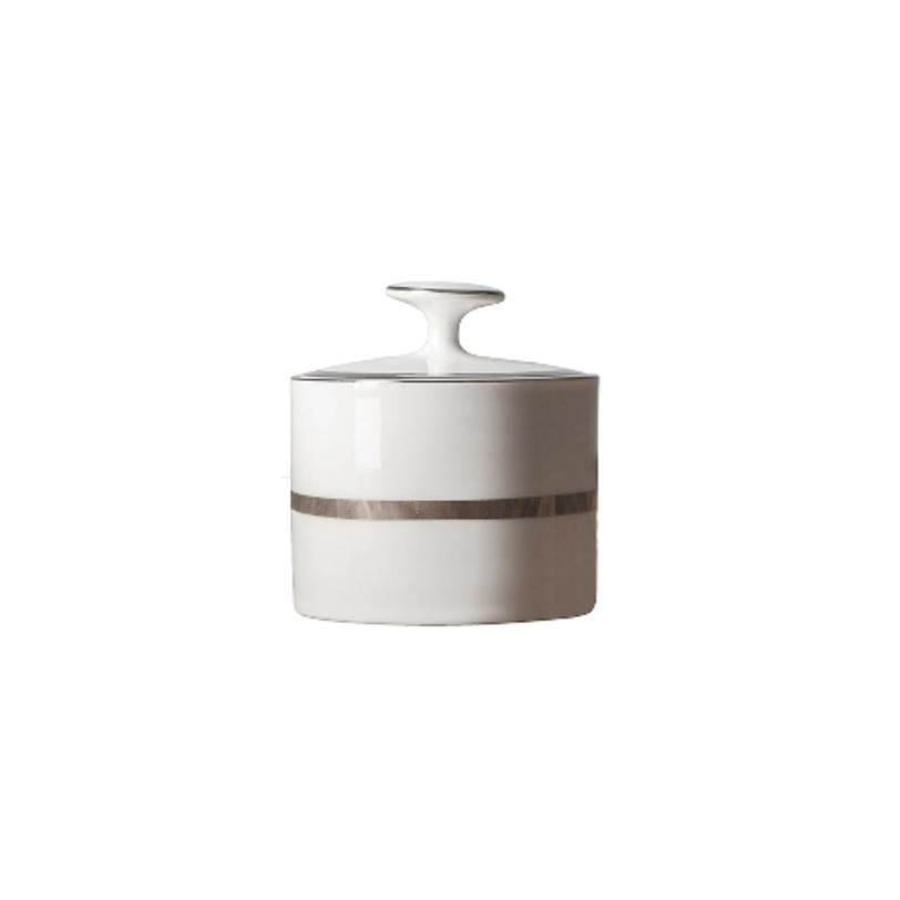 СахарницаСахарницы<br>MIKASA по праву считается одним из мировых лидеров по производству столовой посуды из фарфора и керамики. На протяжении более полувека категории качества и дизайна являются неотъемлемой частью бренда MIKASA. Сегодня MIKASA сотрудничает со многими известными дизайнерами, работающими для лучших фабрик мира, и использует самые передовые технологии в производстве посуды.&amp;lt;div&amp;gt;&amp;lt;br&amp;gt;&amp;lt;/div&amp;gt;&amp;lt;div&amp;gt;ёОбъем: 300 мл&amp;lt;/div&amp;gt;<br><br>Material: Фарфор<br>Length см: None<br>Width см: None<br>Depth см: None<br>Height см: None<br>Diameter см: None