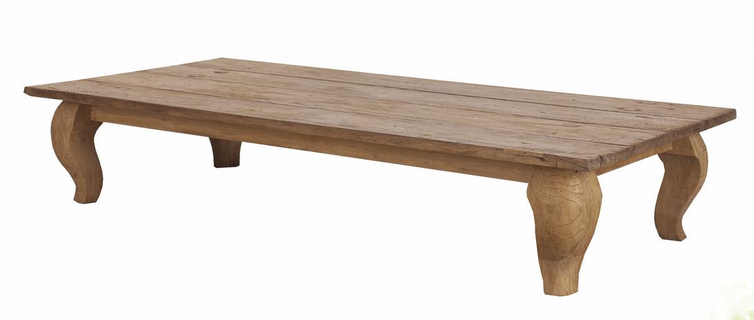 Стол кофейный  Lucy 120Кофейные столики<br>Кофейный стол из тика, столешница из антикварной доски и массивные изогнутые ножки. Возможен в трех размерах.<br><br>Material: Тик<br>Length см: 120.0<br>Width см: 70.0<br>Depth см: None<br>Height см: 30.0<br>Diameter см: None