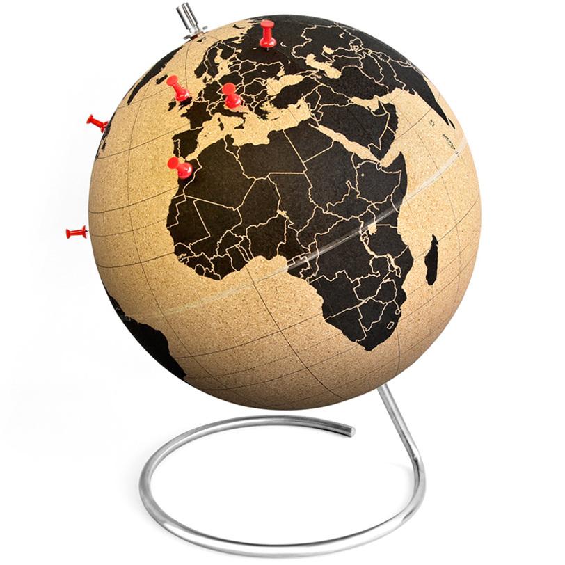 Декор ГлобусСтатуэтки<br>Помечайте кнопками места, где вы были, или те, которые планируете посетить! Глобус из пробкового дерева с простой и понятной картой мира, на которой вы можете отмечать маршруты своих путешествий, крепить фото, открытки или марки, привезенные из разных стран и, конечно же, мечтать о новых поездках. А главное, сразу наглядно видно, где вы были, а куда стоит отправиться в следующий раз!<br><br>Material: Пробка<br>Length см: None<br>Width см: None<br>Depth см: None<br>Height см: 30<br>Diameter см: 25