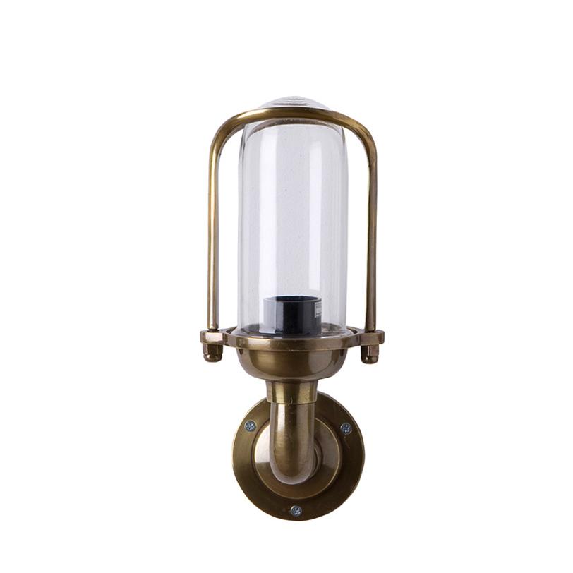 Бра Lamp WolseleyБра<br>Настенный светильник из стекла и металла. Цвет металла – состаренная латунь.<br><br>Количество лампочек: 1<br>Мощность: 1 x 40 Вт<br>цоколь: E27<br><br>Material: Металл<br>Length см: None<br>Width см: 13<br>Depth см: 14<br>Height см: 31<br>Diameter см: None