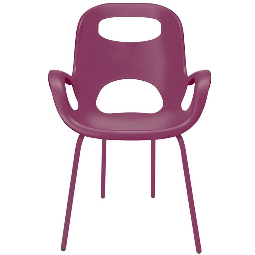 Стул oh chairОбеденные стулья<br>Стильный стул, созданным Каримом Рашидом – гением и признанным гуру промышленного дизайна. Знаете, почему он называется «Oh» (по-русски – «Ого»)? Именно это вы воскликните, когда сядете и ощутите приятные объятия этого стула! Смешав классику и ретрор-шик, Карим Рашид создал простой, но эффектный предмет мебели.<br>Сиденье из прочного полпиропилена (выдерживает до 136 кг), со специальным матовым покрытием плюс ножки того же цвета, на концах оснащенные нейлоновыми протекторами – благодаря им стул не царапает пол. Эргономичный дизайн обеспечивает комфорт и поддержку спины. Отличный компаньон столу в гостиной, на кухне, в саду и других местах, которым требуется дизайнерское вдохновение.<br>Цвет: баклажановый.<br>Материал: пластик, металл<br><br>Material: Пластик<br>Length см: 61<br>Width см: 61<br>Depth см: None<br>Height см: 86<br>Diameter см: None