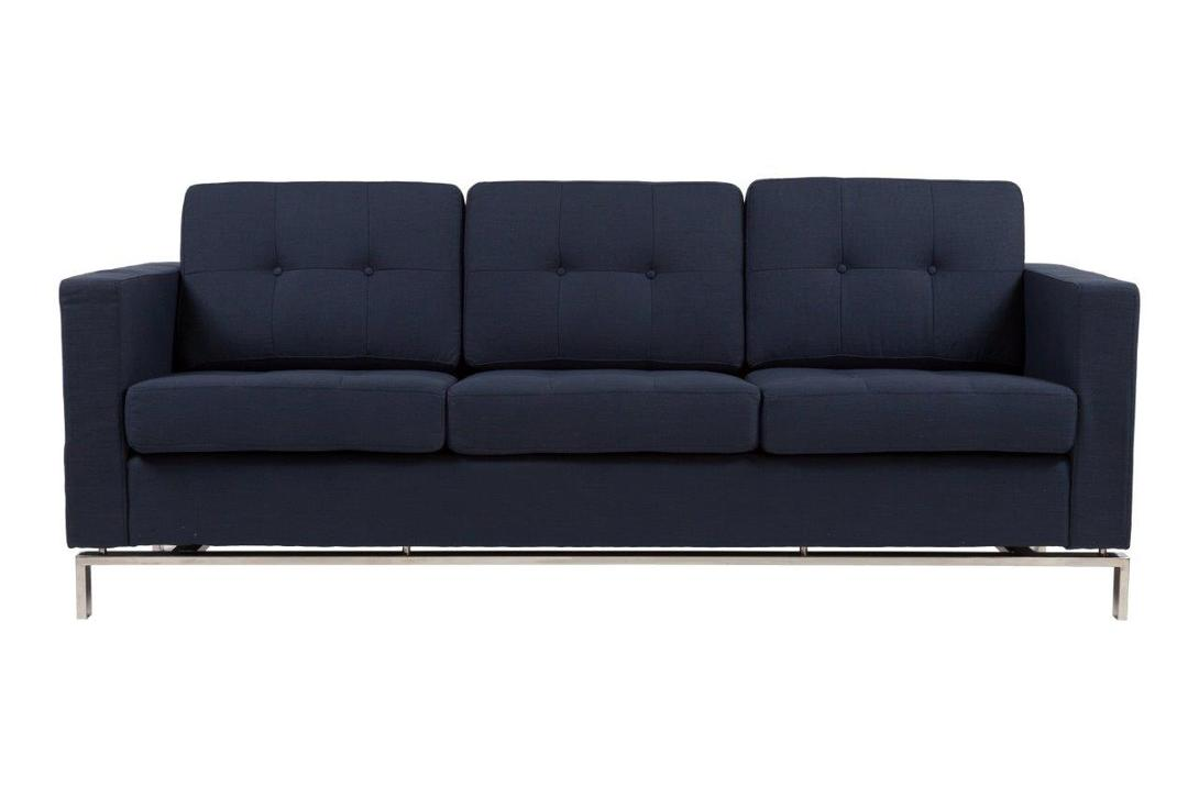 Диван FosterТрехместные диваны<br>&amp;lt;div&amp;gt;За счет своего лаконичного дизайна Foster впишется в любой современный интерьер. Эффектнее всего диван будет смотреться в квартире-студии, выполненной в стиле лофт. Прямоугольная форма и тонкие стальные ножки модели демонстрируют строгий силуэт. Элегантная спинка, состоящая из диванных модулей, скромно оформлена тканевыми пуговицами. Насыщенный синий оттенок подчеркнет индустриальный колорит пространства.&amp;lt;br&amp;gt;&amp;lt;/div&amp;gt;&amp;lt;div&amp;gt;&amp;lt;br&amp;gt;&amp;lt;/div&amp;gt;Материал: ткань, поролон, деревянный каркас, ножки из нержавеющей стали<br><br>Material: Текстиль<br>Length см: 208<br>Width см: 83<br>Depth см: None<br>Height см: 80<br>Diameter см: None