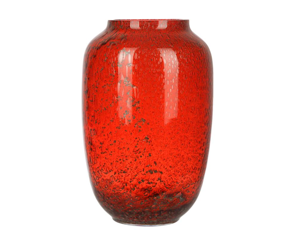 ВазаВазы<br>Красный априори признан цветом внимания, экспрессии и смелости. Эти постулаты относятся и к интерьерному декору. Простая по форме ваза из стекла просто впитала в себя роскошь красного в элегантной форме. Лаковый блеск и немного черной &amp;quot;пыльцы&amp;quot; на поверхности вазы претендуют на яркий акцент в декоре<br><br>Material: Стекло<br>Ширина см: 20.0<br>Высота см: 30.0<br>Глубина см: 20.0