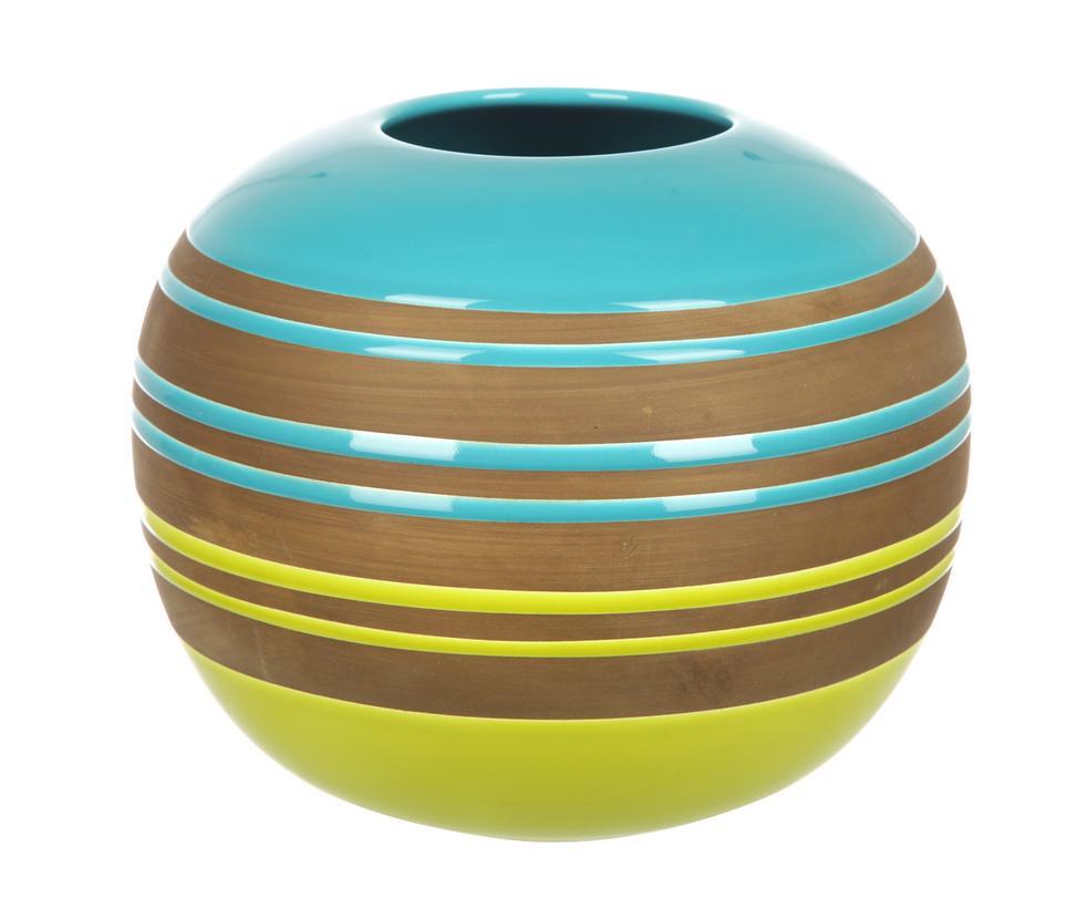 ВазаВазы<br>Шарообразная ваза из керамики с разноцветным полосками станет находкой в оформлении обстановки. Ваза станет ярким дополнением сдержанного интерьера в спокойных тонах. Сочетание природных цветов в отделке сделают ее одновременно жизнеутверждающим декором и практичным предметом быта.<br><br>Material: Керамика<br>Length см: None<br>Width см: None<br>Depth см: None<br>Height см: 28<br>Diameter см: 28