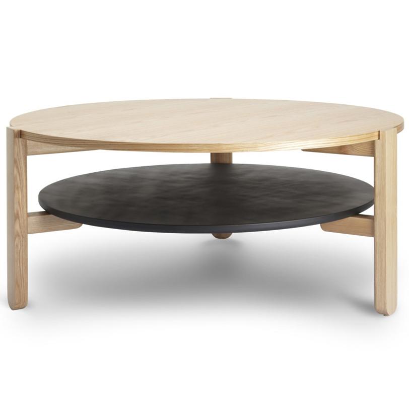 Столик кофейный HubКофейные столики<br>Восхитительная коллекция мебели Hub изготовлена из натурального ясеня и привлекает к себе внимание сочетанием высококачественного материала и продуманного минималистичного дизайна.<br>Кофейный столик с двумя уровнями отлично дополнит гостиную. Материалы для крепления нижней полки в комплекте.<br><br>Material: Ясень<br>Length см: None<br>Width см: None<br>Depth см: None<br>Height см: 38,5<br>Diameter см: 89,5