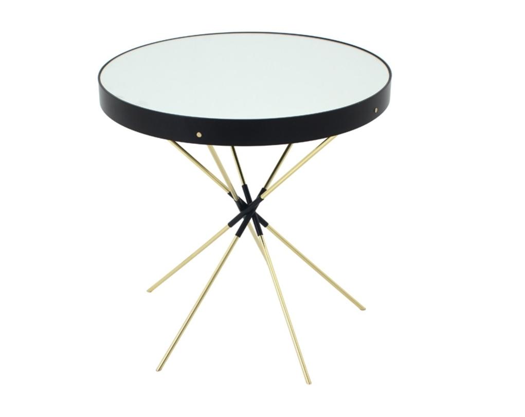 Столик Trip GoldКофейные столики<br>Кофейный столик &amp;amp;nbsp;&amp;quot;Trip Gold&amp;quot; проникнут стремлением к самовыражению. &amp;amp;nbsp;Круглая столешница имеет зеркальную поверхность и похожа на космический диск. Строгости и экспрессивности в ее образ добавляет черный обод. &amp;amp;nbsp;Нотки конструктивизма создают детали. Ножки лишены привычных форм &amp;amp;nbsp;и представляют собой скрещенные в центре тонкие трости. Холодность черно-золотого цвета уравновешивает отделка из стекла и металла.<br><br>Material: Стекло<br>Length см: None<br>Width см: None<br>Depth см: None<br>Height см: 60<br>Diameter см: 60