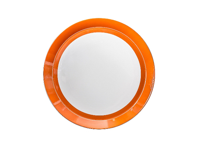 БЛЮДО КРУГЛОЕ UTD ORANGEТарелки<br>&amp;quot;UTD Orange&amp;quot; ? блюдо с ярким и самобытным оформлением, которое поможет внести разнообразие в интерьер столовой, декорированной в спокойных тонах. Оранжевый цвет в дизайне этой тарелки будет смотреться сочно и жизнерадостно. Такой декор посуды не только усилит вкусовые качества еды, но и поднимет настроение.&amp;amp;nbsp;<br><br>Material: Фарфор<br>Diameter см: 31