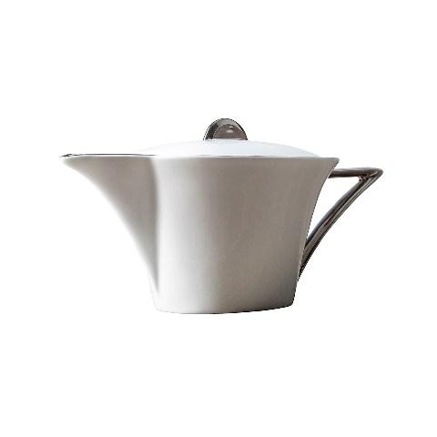 ЧАЙНИК DECO PLATINUMЧайники<br>Чайник&amp;amp;nbsp;&amp;lt;span style=&amp;quot;line-height: 1.78571429;&amp;quot;&amp;gt;&amp;quot;Deco Platinum&amp;quot; поднимет столовый этикет вашей семьи на новый уровень. Он добавит роскошь даже самому обычному утреннему чаепитию. Оформление в традиционном американском стиле поможет ему с легкостью влиться в дизайн любой кухни. Ведь белый фарфор везде смотрится прекрасно.&amp;lt;/span&amp;gt;&amp;lt;p class=&amp;quot;MsoNormal&amp;quot;&amp;gt;&amp;lt;o:p&amp;gt;&amp;lt;/o:p&amp;gt;&amp;lt;/p&amp;gt;<br><br>Material: Фарфор