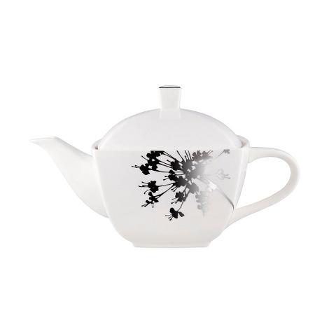 ЧАЙНИК FLORAL SILHOUETTEЧайники<br>Цветочный силуэт чайника «FLORAL SILHOUETTE» &amp;amp;nbsp;-это сочетание белоснежного гладкого фарфора и черной графики нанесенного рисунка. Плавность и стремительность линий, удобная тонкая ручка, плотно прилегающая крышка – этот чайник станет центром набора для чаепития. Изделие прекрасно подойдет как для любителей минимализма, так и для поклонников ориентального стиля.<br><br>Material: Фарфор