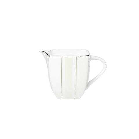 МОЛОЧНИК MATRIXКофейники и молочники<br>Чаепитие должно быть организовано по правилам. Даже если вы не любите чай с молоком, вы не сможете удержаться, чтобы не попробовать любимый напиток англичан. Ведь молоко подано в элегантном фарфоровом молочнике &amp;quot;MATRIX&amp;quot;, внешний вид которого непременно оценят любители лаконичного дизайна. Кстати, этот молочник прекрасно подойдет и к чашке ароматного кофе.<br><br>Material: Фарфор
