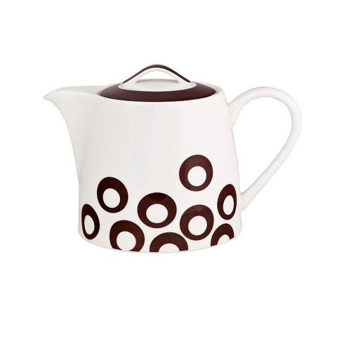 ЧАЙНИК UTD BROWNЧайники<br>Дизайнеры всемирно известного бренда MIKASA разрабатывают совершенно удивительную посуду, совмещая, казалось бы, несовместимое. Убедительный пример такого подхода – фарфоровый чайник &amp;quot;UTD BROWN&amp;quot;, выполненный в стиле «поп-арт». Ломаные линии, узор из коричневых кругов – перед вами полноценный арт-объект. Чаепитие будет веселым!<br><br>Material: Фарфор