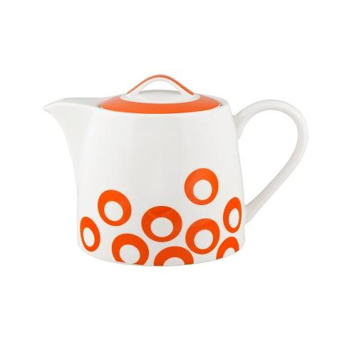 ЧАЙНИК UTD ORANGEЧайники<br>Чайник &amp;quot;UTD ORANGE&amp;quot; обеспечит хорошее настроение! Он изготовлен из тонкостенного гладкого фарфора, а на белоснежной поверхности разместились веселые оранжевые круги. Крышка цвета апельсина венчает этот задорный предмет чайного набора. Для тех, кто не любит скучных чаепитий по правилам!<br><br>Material: Фарфор