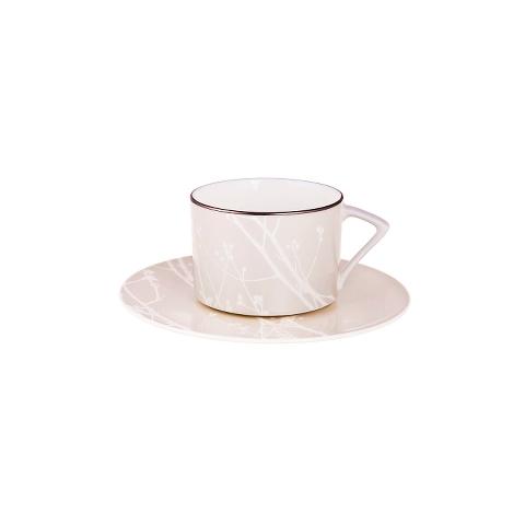 ПАРА ЧАЙНАЯ WHITE BRANCHЧайные пары и чашки<br>Воплощение изысканности, нежности и изящества. Это - чайная пара &amp;quot;WHITE BRANCH&amp;quot; из фарфора цвета слоновой кости, на котором пробиваются едва видимые белоснежные узоры. Мягкий и точный акцент: серебристая обводка. Это посуда для тех, кто никогда не торопится, и любит пить чай по всем правилам. Ведь это – настоящее искусство, также как и фарфоровые творения MIKASA.<br><br>Material: Фарфор