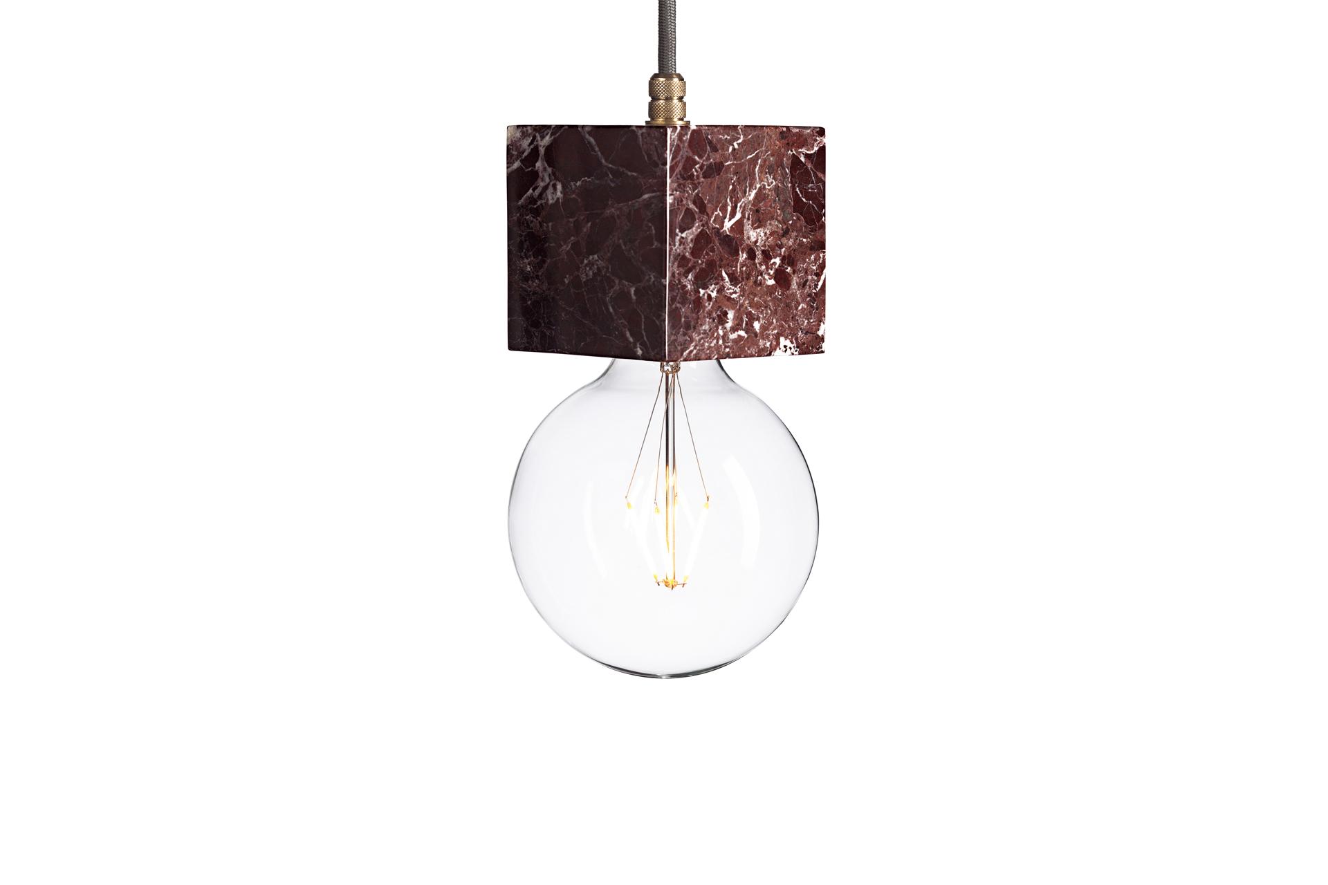 Подвесной светильник Marmor VeldiПодвесные светильники<br>Подвесной светильник &amp;quot;Marmor Veldi&amp;quot; будет прекрасно смотреться в интерьерах в промышленном стиле. Сочетание утонченного силуэта круглой лампы и строго квадратного основания заворожит гармонией противоречий ценителей оригинальных предметов. Натуральный мрамор благородного цвета очарует любителей роскоши, которые не стремятся выставлять ее напоказ.&amp;lt;div&amp;gt;&amp;lt;br&amp;gt;&amp;lt;/div&amp;gt;&amp;lt;div&amp;gt;Лампочка приобретается отдельно. Цоколь Е27, максимальная мощность лампочки - 60 W, длина шнура - 3 м. &amp;amp;nbsp;&amp;amp;nbsp;&amp;lt;/div&amp;gt;&amp;lt;div&amp;gt;Материал: корпус - мрамор Rosso Levanto, фурнитура - латунь, сталь, патрон - пластик, кабель в оплетке. Под заказ. Срок изготовления 3 недели.&amp;amp;nbsp;&amp;lt;/div&amp;gt;<br><br>Material: Мрамор<br>Высота см: 10