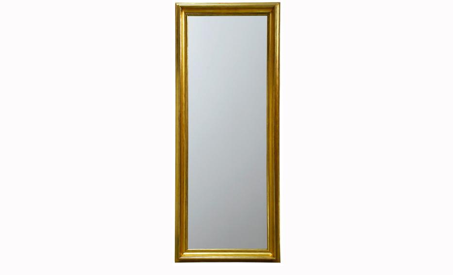 Зеркало SorguesНастенные зеркала<br>Простая элегантность и сдержанность являются главными аспектами оформления зеркала &amp;quot;Sorgues&amp;quot;. Золотистый цвет рамы делает строгий силуэт прямоугольной формы благородным, отлично подходящим для классических английских и американских интерьеров.<br><br>Material: Дерево<br>Length см: 220<br>Width см: 90<br>Depth см: 12