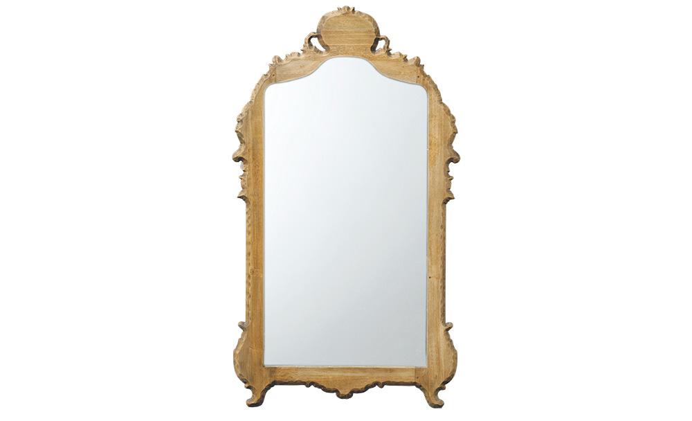 Зеркало MaillotНастенные зеркала<br>Зеркало Maillot декорировано в традиционном французском стиле, который так ценят почитатели роскоши и шика. Грубо обработанная деревянная рама имеет классический силуэт, который не смотрится скучным за счет оригинальной отделки.<br><br>kit: None<br>gender: None