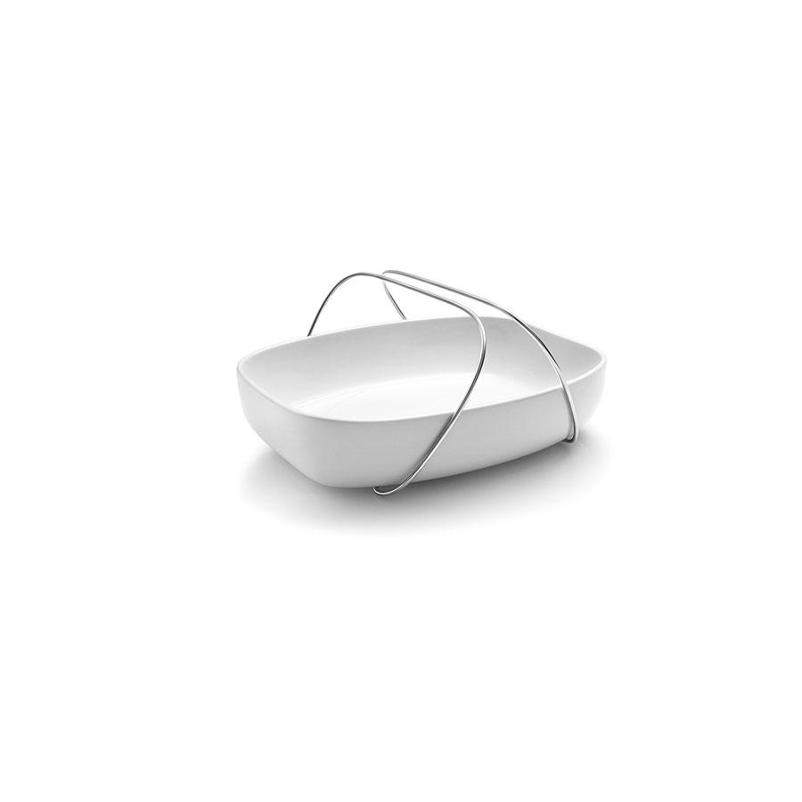 Форма для запеканияЧаши<br>Удобная и изящная форма для запекания от известного датского бренда Eva Solo сделана из керамики и оснащена удобными ручками, которые могут также служить подставкой - поэтому можно сразу поставить готовое блюдо на стол, и форма для запекания превратится в сервировочную тарелку! Ручки регулируются и могут отодвигаться в стороны. Просто и элегантно!&amp;lt;div&amp;gt;Материал:&amp;amp;nbsp;керамика, нержавеющая сталь&amp;lt;/div&amp;gt;<br><br>Material: Керамика<br>Length см: 26,1<br>Width см: 20,6<br>Height см: 6,5