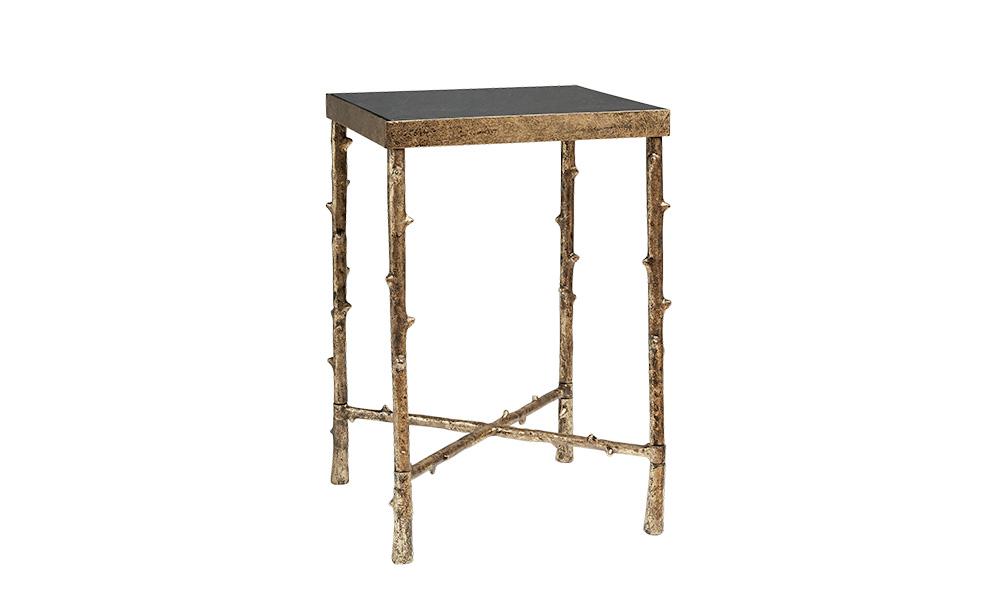 Столик SologneПриставные столики<br>&amp;quot;Sologne&amp;quot; ? уникальный стол, который одновременно сочетает в себе простоту, роскошь и функциональность. Строгая форма становится оригинальной благодаря прутьям, из которых изготовлено основание. Это не обычные веточки, сорванные с деревьев. Это ? великолепные латунные детали, отличающиеся удивительной реалистичностью.&amp;amp;nbsp;&amp;amp;nbsp;&amp;lt;div&amp;gt;&amp;lt;br&amp;gt;&amp;lt;/div&amp;gt;&amp;lt;div&amp;gt;Материал: латунь, черный гранит.&amp;lt;/div&amp;gt;<br><br>Material: Латунь<br>Length см: 40,5<br>Width см: 40,5<br>Height см: 62