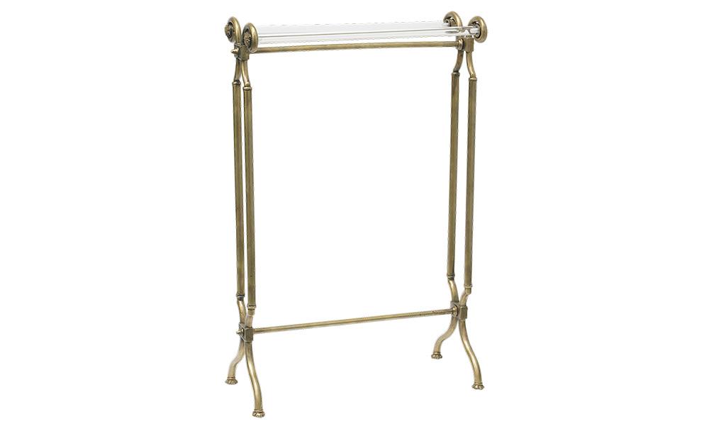 Полотенцедержатель St Germain en CuivreПодставки<br>Mis En Demeure – один из любимых производителей мебели среди архитекторов, декораторов и дизайнеров, создающих интерьеры в стиле французского Прованса. Ценится он за уникальный стиль.<br><br>Material: Латунь<br>Length см: 50<br>Width см: 24<br>Height см: 80