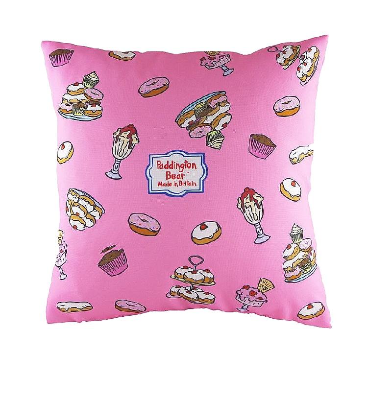 Подушка с принтом Paddington Bear PinkКвадратные подушки<br>Подушка «PADDINGTON BEAR PINK&amp;quot; очень понравится маленьким принцессам, ведь она выполнена в нежном розовом цвете. А на ней нарисован очень редкий медведь, приехавший из Дремучего Перу. Мишка Паддингтон очень любит мармелад и всевозможные сладости – как и все дети на свете! Может быть, стоит налить настоящего английского чая с молоком, и начать чтение увлекательных приключений медвежонка?<br><br>Material: Текстиль<br>Length см: 43<br>Width см: 43<br>Height см: 6