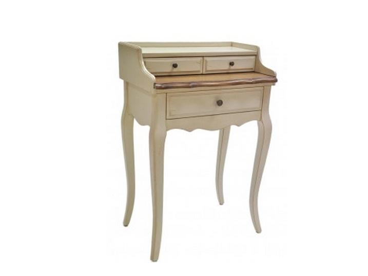 Столик Blanc bonbonТуалетные столики<br>Туалетный столик &amp;quot;Blanc Bonbon&amp;quot; позволит вам создать уголок красоты даже в небольшой по площади спальне. Благодаря миниатюрной конструкции и светлой гамме отделки он не будет скрадывать пространство. Этот столик наполнит его утонченностью и романтичностью, традиционными для стиля прованс.<br><br>Material: Дерево<br>Ширина см: 42<br>Высота см: 91