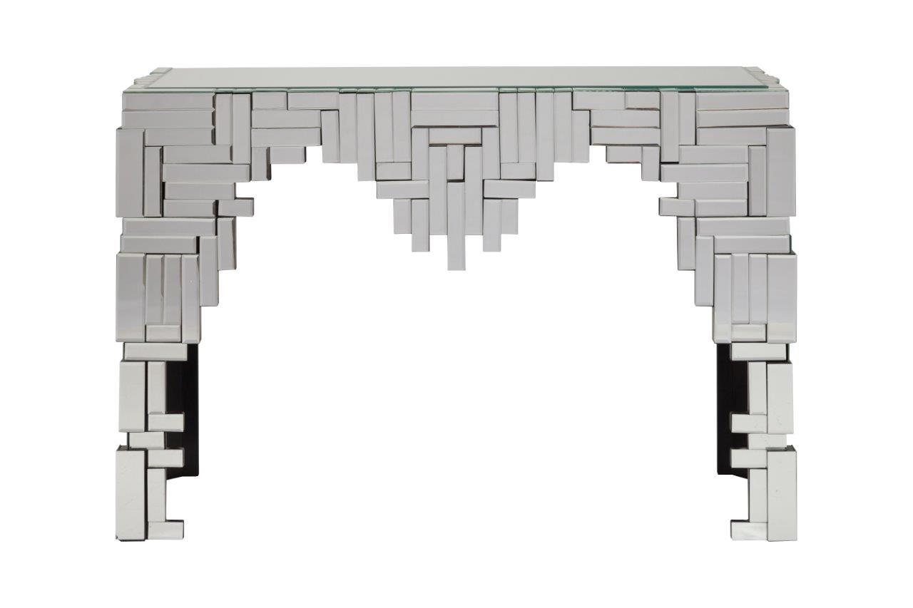 Консоль MaestroИнтерьерные консоли<br>Зеркальная консоль Maestro — это роскошный предмет мебели, который придется по вкусу ценителям изысканных и дорогих вещей. Основание аксессуара изготовлено из МДФ, а по всей его поверхности расположены зеркала, отражающие блики света и визуально увеличивающие пространство, за счет этого консоль идеально впишется в любую комнату вашего дома.<br><br>Material: Стекло<br>Length см: 114<br>Width см: 39<br>Height см: 74