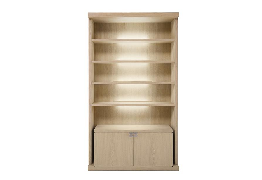 Стеллаж Display cabinetСтеллажи и этажерки<br>&amp;quot;Display Cabinet&amp;quot; ? изящный стеллаж традиционных форм. Утонченный силуэт смотрится невесомым не только благодаря светлому оттенку древесины, но и за счет интересно расположенной подсветки. Отсутствие декора и простота конструкции позволяют стеллажу превосходно вписываться в минималистичные скандинавские интерьеры.<br><br>Material: Дерево<br>Ширина см: 120<br>Высота см: 240<br>Глубина см: 55