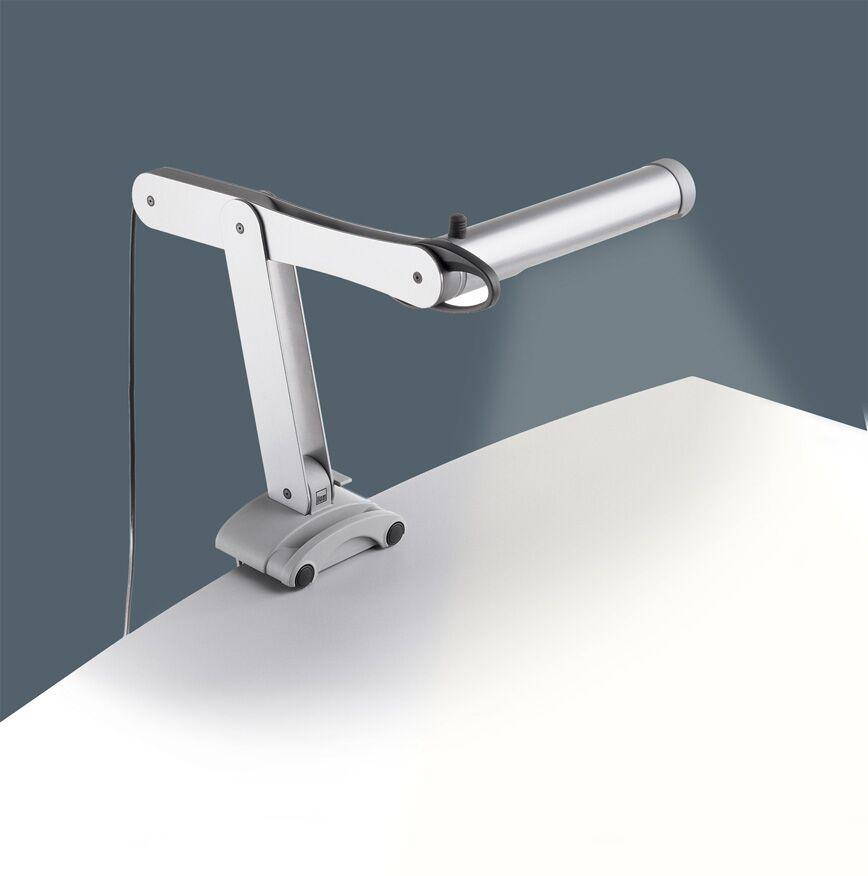 Лампа дневного света MOBILIGHTНастольные лампы<br>Стандартные лампы дневного света могут оказывать негативное состояние на зрение человека в процессе длительной работы. Происходит это потому, что частота работы такого осветительного прибора соответствует 50 Гц. Иными словами, лампа излучает невидимое глазу, но улавливаемое его сетчаткой мерцание. При постоянной эксплуатации такого прибора мерцание провоцирует напряжение органов зрения, вызывая их быструю усталость и покраснение. В модели Mobilight риск такого негативного влияние на глаза устранен. Данная лампа дневного света исключает мерцание за счет встроенного отражателя, благодаря чему пользователь может писать или читать на протяжении нескольких часов подряд без ощущения дискомфорта.&amp;lt;br&amp;gt;&amp;lt;br&amp;gt;Данная модель имеет эргономичную конструкцию – можно легко перемещать лампу по столешнице, а также менять левый вариант монтажа на правый, подстраивая индивидуально под потребности детей, которые пишут левой или правой рукой. Осветительный прибор регулируется в трех измерениях с помощью гибкого штатива. Уникальный запатентованный зажим позволяет устанавливать лампу на поверхность стола толщиной от 13 до 40 мм.&amp;lt;br&amp;gt;&amp;lt;br&amp;gt;Лампа Mobilight также оснащена встроенным стабилизатором напряжения.&amp;lt;br&amp;gt;&amp;lt;br&amp;gt;В комплекте к прибору поставляются ручки и заглушки 7 различных цветов.&amp;lt;br&amp;gt;&amp;lt;br&amp;gt;&amp;lt;font itemprop=&amp;quot;description&amp;quot;&amp;gt;Размеры: осветительная часть 62 х 42 х 6 см.&amp;lt;/font&amp;gt;&amp;lt;br&amp;gt;Яркость лампы: 900 ЛМ&amp;lt;br&amp;gt;Цоколь: G23&amp;lt;br&amp;gt;Потребляемая мощность: 11 Вт&amp;lt;br&amp;gt;Срок службы: 10 000 часов&amp;lt;br&amp;gt;Тип лампы: энергосберегающий&amp;lt;br&amp;gt;Время зажигания: &amp;amp;lt; 1c&amp;lt;br&amp;gt;<br><br>Material: Металл<br>Width см: 62<br>Depth см: 42<br>Height см: 6