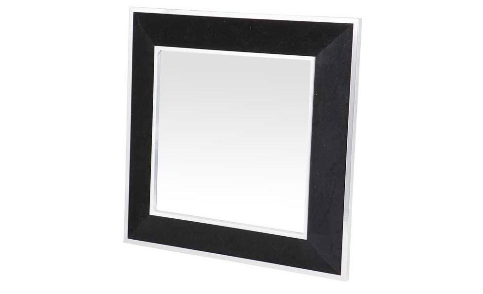 Зеркало MinervaНастенные зеркала<br>Именно на тщательной проработке всех мелочей сделан акцент при создании коллекций Eichholtz, поэтому каждый элемент имеет свои уникальные особенности, будь то диваны, столы, стулья, светильники или люстры Eichholtz.<br><br>Material: Бархат<br>Length см: 100<br>Height см: 100