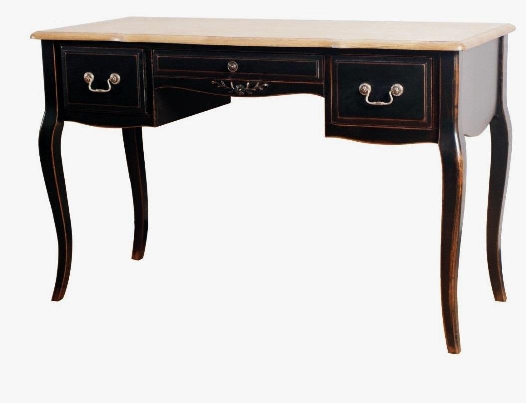 Письменный столПисьменные столы<br>Одно из главных условий в стиле Прованс – использование состаренной мебели. Хотя в интерьере предпочтительны нежные пастельные тона, тем не менее, приветствуются яркие акценты. Одним из таких может стать этот стол. Контраст свтелого и темного – классика жанра. Особый шарм образу придает легкая «потертость» и изящные плавные линии. &amp;amp;nbsp;<br><br>Material: Дерево<br>Width см: 120<br>Depth см: 50<br>Height см: 76
