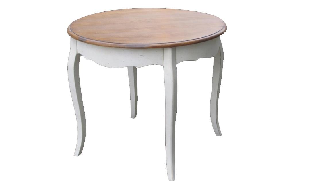 Cтол обеденныйОбеденные столы<br>Форма круга выбрана для этого стола не случайно. Как символ гармонии, такой силуэт служит лучшим дополнением для прованского стиля. Он позволяет раскрыться его великолепию и добавляет романтизм дизайну. Изогнутые ножки из белой древесины придают изящество простому оформлению. Естественная красота натуральных материалов превосходно выглядит благодаря скромной отделке и отсутствию ярких деталей.<br><br>Material: Дерево<br>Length см: 90<br>Width см: 90<br>Height см: 76