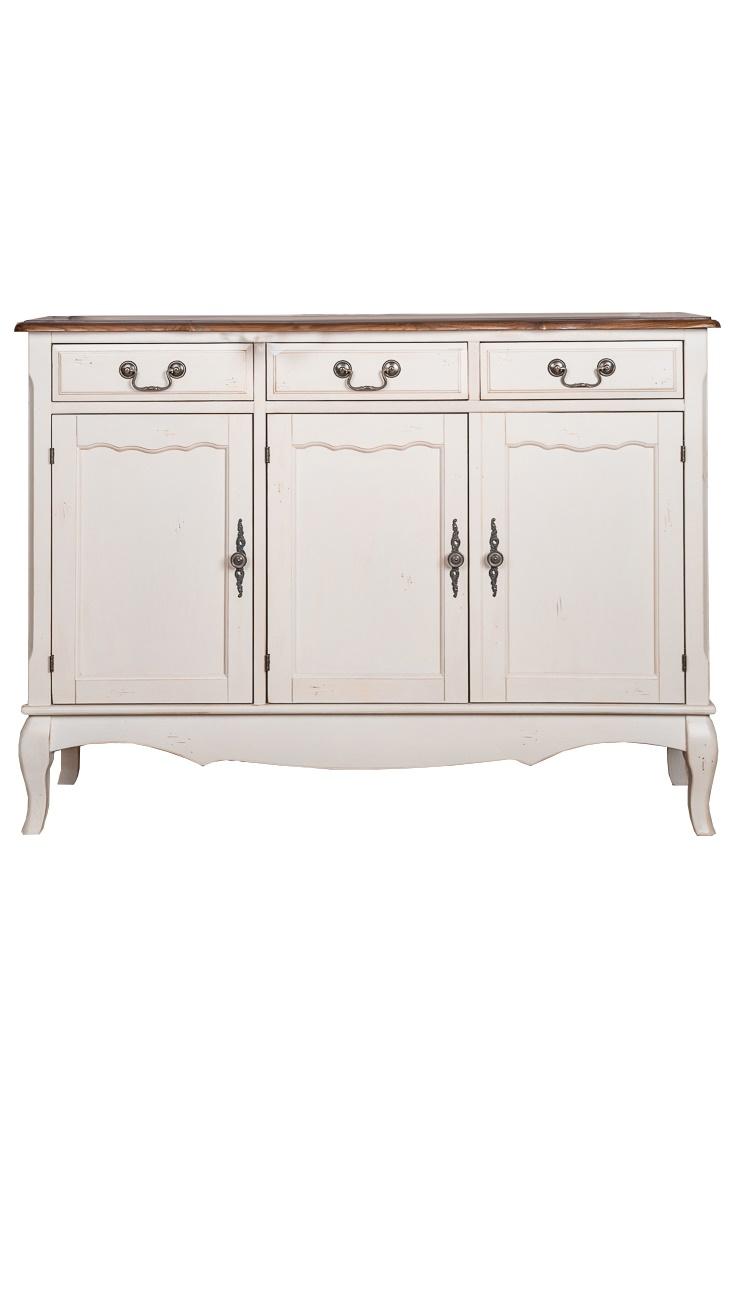 КомодИнтерьерные комоды<br>Легкая асимметрия, присутствующая в расположении дверок комода от Mobilier-M, завораживает своим несовершенством. Она проводит параллель с природной красотой, которая не может быть идеальной во всем. Естественность и простота отделки дарят комоду элегантный облик. Белый цвет, доминирующий в оформлении, делает его отлично подходящим для интерьеров в стиле прованс.<br><br>Material: Дерево<br>Ширина см: 38<br>Высота см: 87