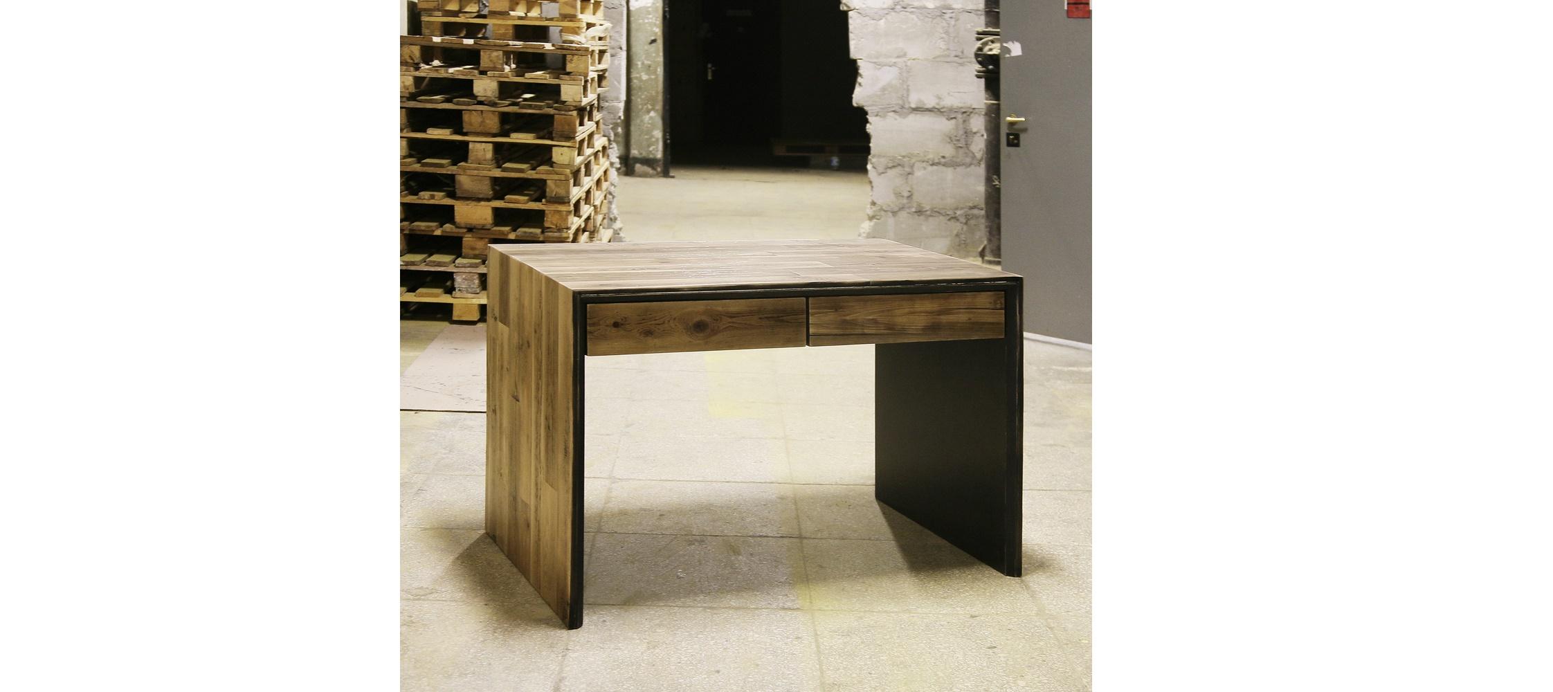 Стол oldwood stapleПисьменные столы<br>&amp;lt;div&amp;gt;Стол &amp;quot;oldwood staple&amp;quot; с двумя ящиками&amp;lt;/div&amp;gt;&amp;lt;div&amp;gt;Материал: старая доска, березовая фанера, огонь, колерованый водный лак, фурнитура blum&amp;lt;/div&amp;gt;<br><br>Material: Береза<br>Length см: None<br>Width см: 110<br>Depth см: 70<br>Height см: 76